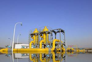 Oil/gas separation systems